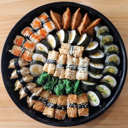 vege sushi platter